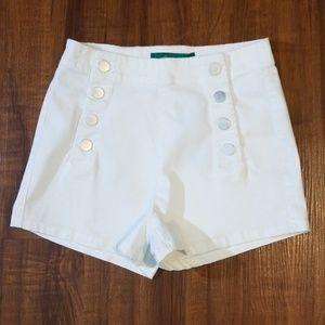 Pants - White light weight denim Highwaisted Shorts